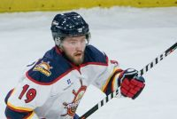 RIVERMEN SIGN DEFENSEMAN BEN OSKROBA